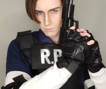 [COSPLAY][RESIDENT EVIL2]Leon S. Kennedy