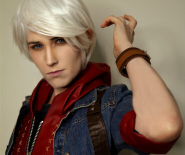 [COSPLAY][DEVIL MAY CRY 4] Nero